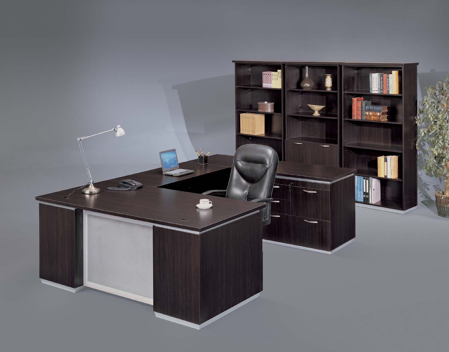New used refurbished office furniture podany 39 s - Custom office desk ...